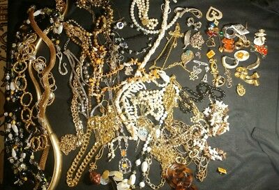 Large lot of Vintage to Recent Costume Jewelry * nearly 6lbs NECKLACES * PINS