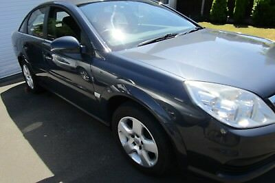 Vauxhall Vectra 1.8 Exc 05 reg 35k miles ONLY FROM NEW service history long MOT