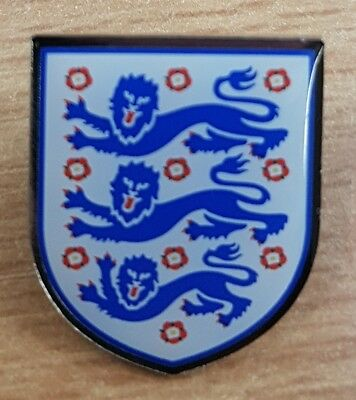 """Brand New """"Official England / 3 Lions"""" Football Pin Badge (SAME DAY DISPATCH !!)"""