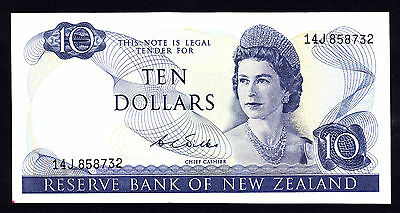 New Zealand $10 Wilks 1968 - 1975  Crisp aEF Note  P. 166b QEII RARE