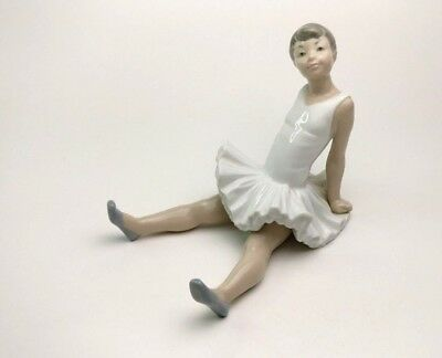 Lladro Nao Figurine #148 Amusing Ballet Ballerina Sitting Legs Outstretched
