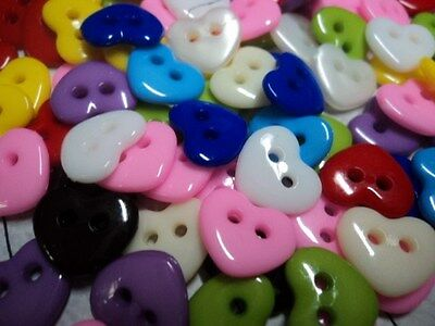 !!DIFFERENT COLOURS!! 100/200 X CUTE HEART BABY 2 HOLE PLASTIC BUTTONS 10mm<