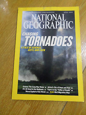 National Geographic Apr 2004 Chasing Tornadoes Cranes Tigers Johannesburg