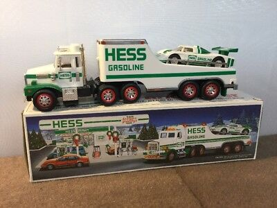 NEW w/BOX HESS COLLECTIBLE CHRISTMAS TOY TRUCK AND RACER LIGHTS 1998 LAMBORGHINI