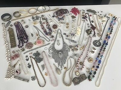 A Fine Antique And Vintage Job Lot Of Costume Jewellery