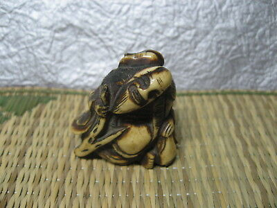 SALE! Japanese Netsuke Staghorn Hermit has Beard Gourd on Shoulder Edo era