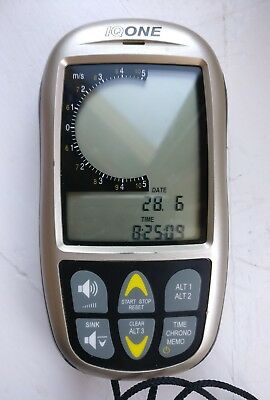 Brauniger IQ ONE paragliding variometer and altimeter.