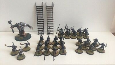 Warhammer Lord of the Rings - Pro Painted - Isengard/Uruk-Hai Army x34