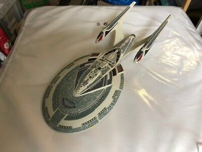 Diamond Select Modell USS Enterprise NCC 1701-E