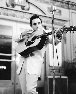 Johnny Cash 8X10 Celebrity Photo Picture 1