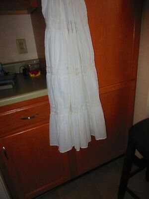 Vintage   White   Cotton   skirt with   lace,    &  attact  Cotton Slip