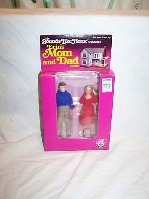 Vintage 1982 Sounds Like Home Dollhouse Erin's Mom and Dad Dolls NEW MIP