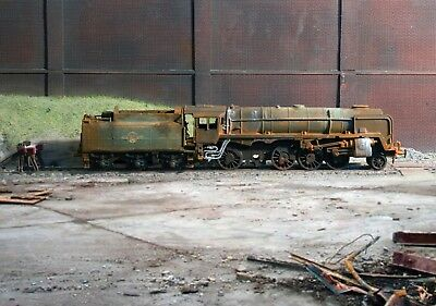 OO gauge scrapyard BR 9F 2-10-0 loco, heavily rusted and weathered