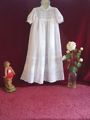 Lovely Antique/Vintage Muslin Embroidered Baby Gown GC.