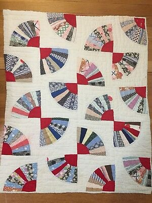 "#R01 - Vintage Cutter Quilt Piece - Red Fan 27"" X 33"""