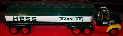 1984 HESS Oil TankerTruck Bank with Working Lights (No Box)
