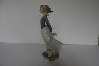 #4922 Lladro  Sea Breeze Wind Blown Girl with flowers  Exc. Cond. 14.5""