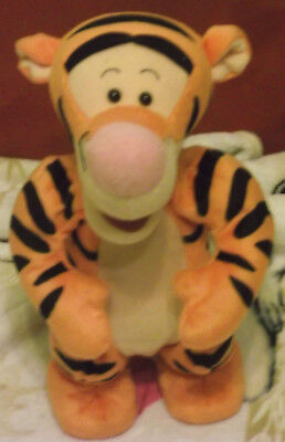 Tigger Friend of Winnie Puuh Winnie the Pooh Mattel battery powered
