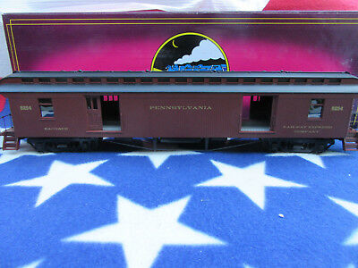 MTH  Spur 0 Pennsylvania  64 Ft. Wood Baggage Car    O-Scale Eisenbahnen