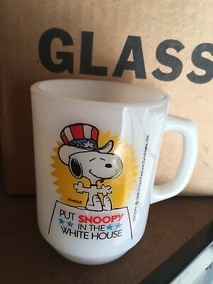 Vintage old Anchor Hocking mug 1980 Put SNOOPY In The White House No.3 Fireking