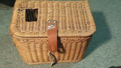 Fly Fishing  Vintage  Cane Fishing Creel Good Condition