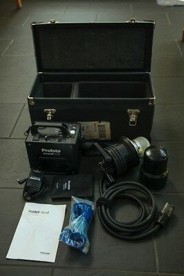 Profoto Acute B 600 portable battery powered flash kit in excellent condition