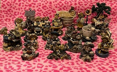 Lot of 25 Boyds Bears Resin Figurines