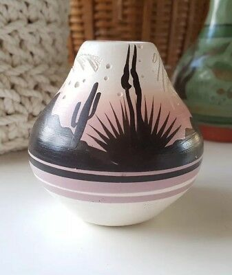 Hozoni pottery - hand painted and hand made Native American ceramic vase signed