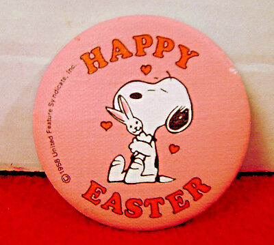 1981 Snoopy  EASTER CLOTH PINBACK BUTTON