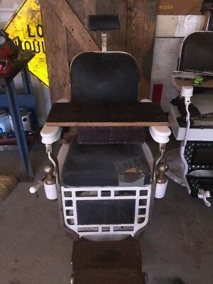Antique Vintage Theo-A-Kochs Barbershop Chair