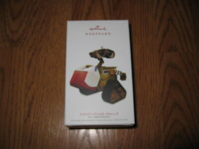 Hallmark Disney-Pixar Wall-E 10th Anniversary 2018 New Ornament