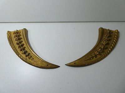 Antique Pair Of Crescent Shape Solid Cast Bronze Brass French Furniture Brackets