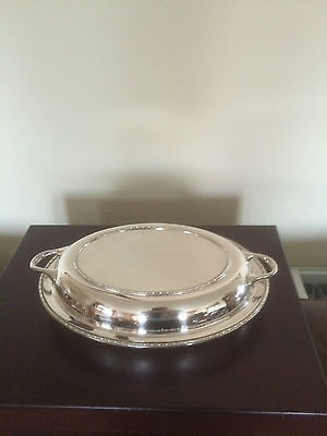 Lovely Silver Plated Oval Shaped Two Handled Lidded Entree Dish  ( Sped 8681)