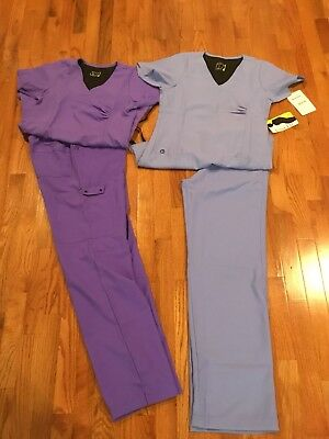 Womens Lot Of Scrubs XS WonderWink, NRG, Med Couture & More 26 Pieces