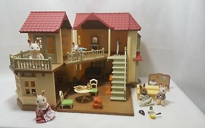 Sylvanian Families Beechwood Hall, with Working Lights and Furniture