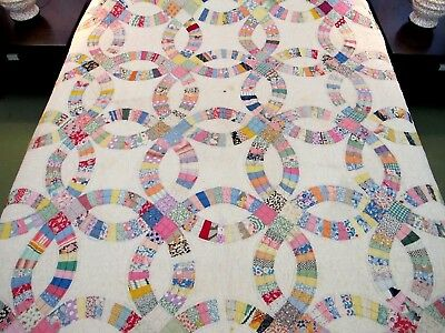 "NEEDS LAUNDERING: Vintage Feed Sack Hand Sewn Heavy WEDDING RING Quilt 91"" x 76"""