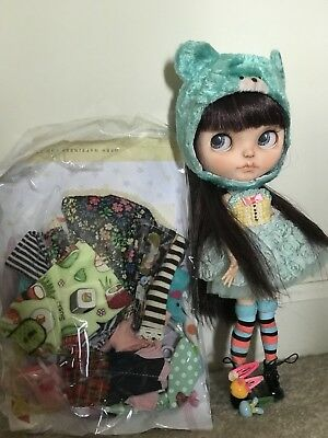 Beautiful blythe By Rainfallable On Etsy. Everything Included!!