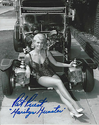Hit Show The Munsters Marilyn Pat Priest  autographed 8x10 sexy  photo