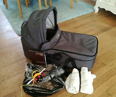 Mountain buggy swift Carrycot In Flint Grey Stunning With Rain Cover