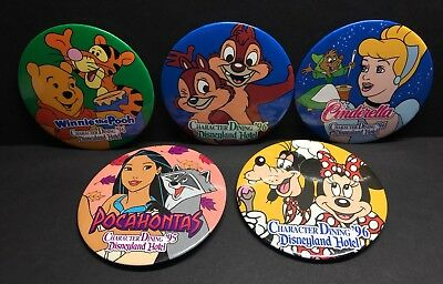 (5) Vintage DISNEY PINBACK BUTTONS: 1995-1996 Character Dining Disneyland Hotel