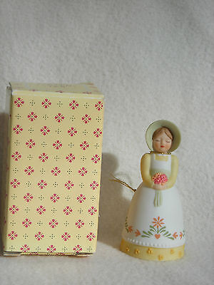 Avon Fine Collectibles 1985 Country Porcelain Bell in Original Box