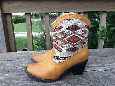 37ccd12f1ef WANTED TEJAS AZTEC Cowboy Boots Woven Blanket Southwest 9 The Buckle BKE