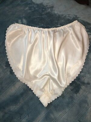 Vtg Liquid Satin Wet Look Flutter Tap Panties Panty Sz L XL Ivory Waist to 41""