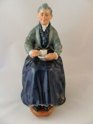 Royal Doulton Figurine ~ The Cup Of Tea Hn2322 ~ Retired