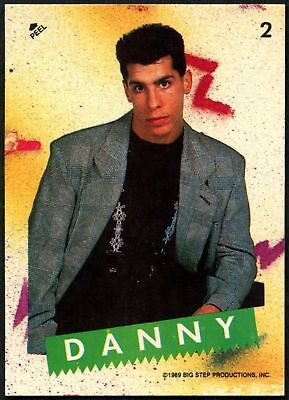 1392 Donnie #3 New Kids On The Block 1989 Topps  Red Border Sticker