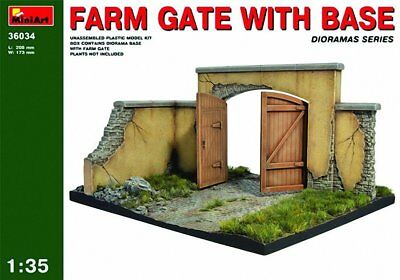 "Miniart 1:35 Scale ""Farm Gate with Base"" Plastic Model Kit"