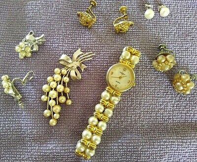 Lot Of Vintage Estate Jewelry Drawer Collection Of Brooches & Other