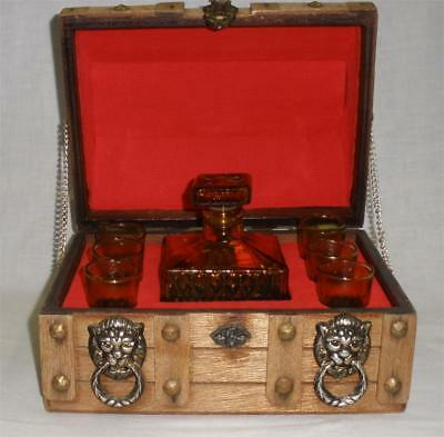 Retro Vintage Novelty Wooden Chest Brown Glass Decanter & 6 Glasses