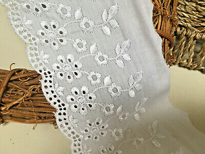 "Stunning 4/"" Pale Grey Austrian Cotton Embroidered Flat Broderie Anglaise Lace"