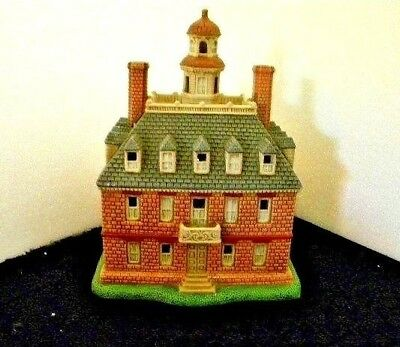 Lefton Colonial Williamsburg Collection Governors Palace 1722 item#11052 Lighted